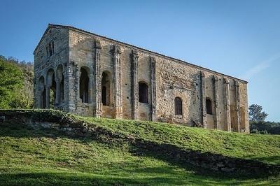 Santa Maria del Naranco. Prerromanico asturiano. Oviedo