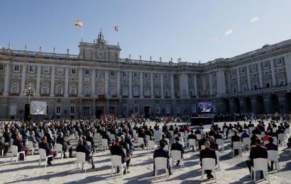 España rinde tributo a las víctimas de la pandemia y reconoce al personal sanitario en un Homenaje de Estado centrado en la esperanza