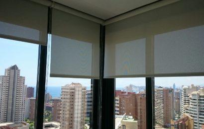 Tipos de estores para decorar tus ventanas