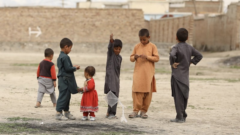 Niños en kabul, Afganistán